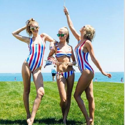 泰勒斯最強閨蜜團親自示範!今夏你要的泳衣全部都在這