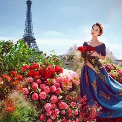 搶在婚紗照之前!林心如在巴黎把捧花都準備好了
