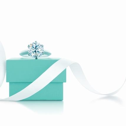跨越世紀的浪漫 The Tiffany Setting經典六爪鑲嵌鑽戒