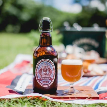 九層塔也能釀啤酒?金色三麥限量口味「辦桌皮爾森啤酒」台味上市