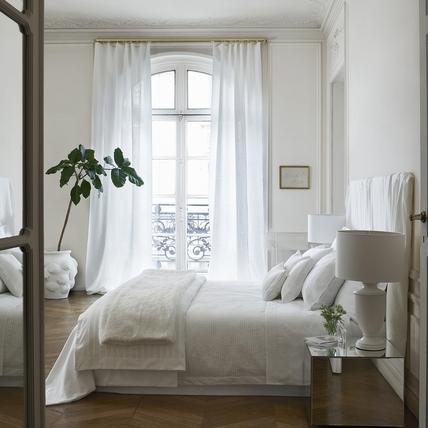 純淨柔白打造簡約法式家居感