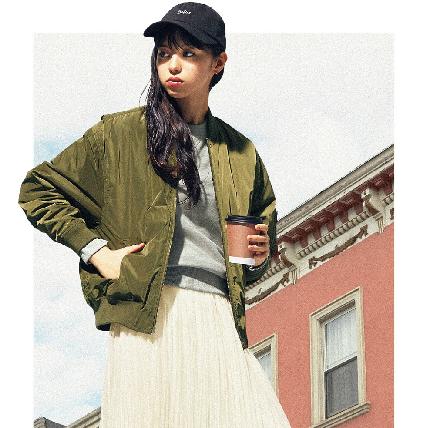 裙擺搖搖才是秋日最美街拍!空氣感百褶裙這樣搭最減齡