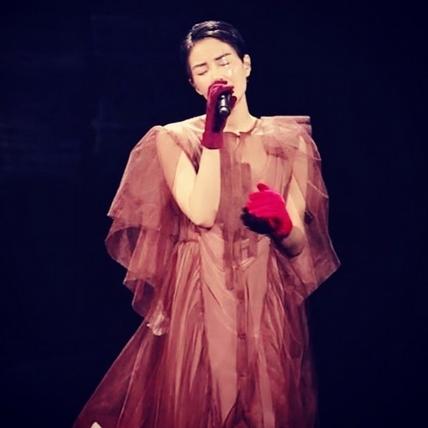 王菲果然是經典!幻樂一場演唱會服裝每套都美的要命