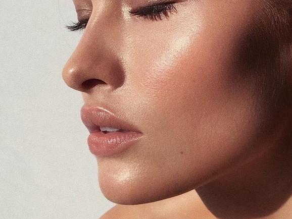 就算肌膚再也回不去白皙的模樣,但絕對不能缺少的,就是看起來超有光澤的好膚質