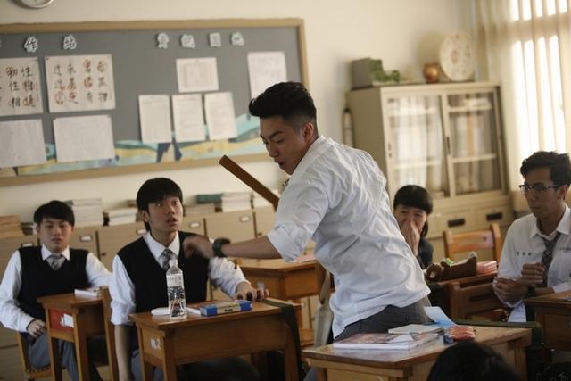 蔡凡熙擊退千人使壞      九把刀虧「他媽把他生的蠻帥」