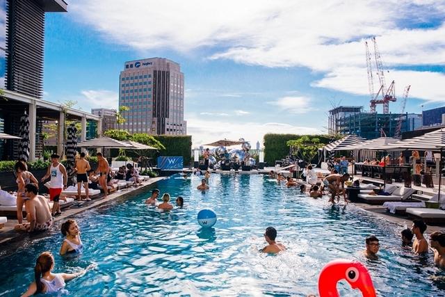 夏天就要瘋泳池趴!W飯店「夏日浪潮池畔派對」每周日準時開趴