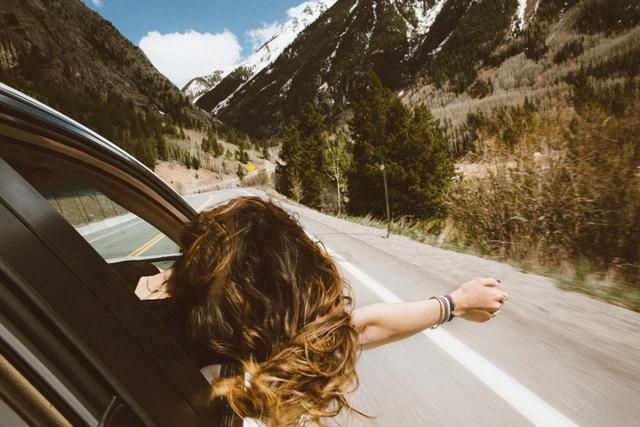 單身與否都該噴上香水,踏上一次能還自己平靜的旅程