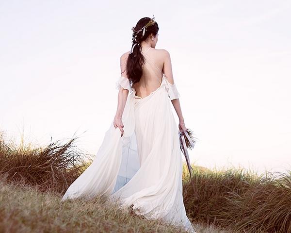 心理測驗找到你的命定婚紗!鐘型袖、公主澎裙...究竟我適合哪種白紗?