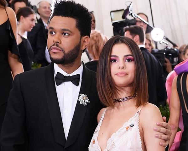 十個月戀情告吹!Selena Gomez與男友The Weeknd驚分手、找舊戀小賈?