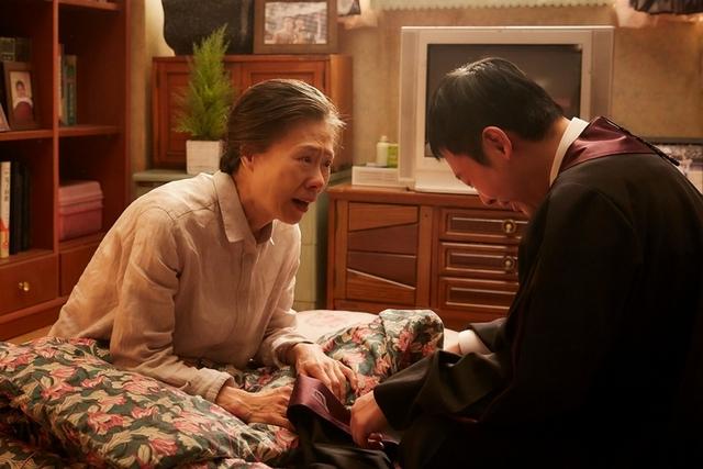 《與神同行》全台飆破3.5億 擠下《屍速》成台灣影史最賣韓片