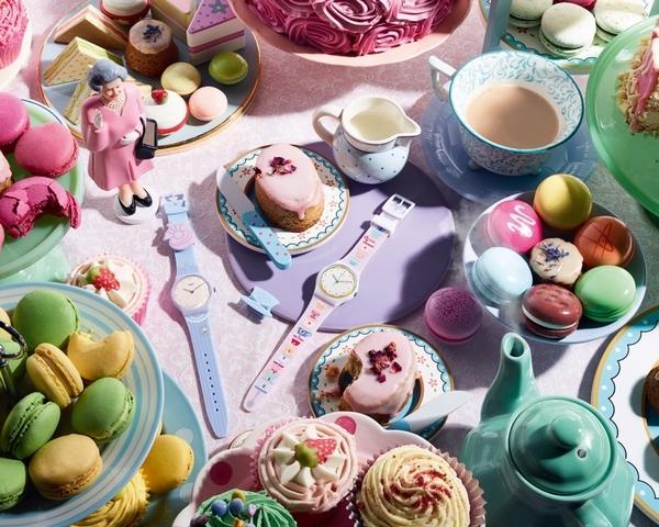立體小狐狸未免太萌!下午茶杯、英國衛兵,Swatch 2018英倫系列繽紛你的春夏