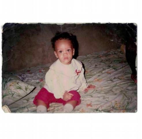 姐邁向30!蕾哈娜Rihanna喜迎30歲生日,IG曬幼時照最感謝他