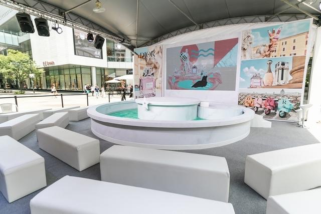 羅馬假期裡的的義式冰淇淋、許願池、可浪漫兜風的偉士牌都在這,還能買到癮誘超模唇露#251、#661限量新色 ,Dior迪奧『我的羅馬假期』快閃活動熱情登場