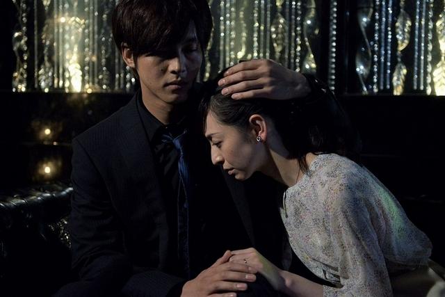日本男星狂看情慾片做功課 拍床戲累到睡倒在浴室