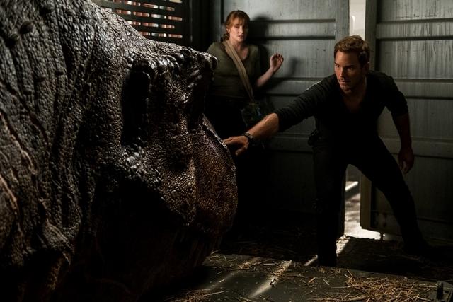 超狂恐龍吸金2.5億 《侏羅紀世界:殞落國度》穩坐全台票房冠軍