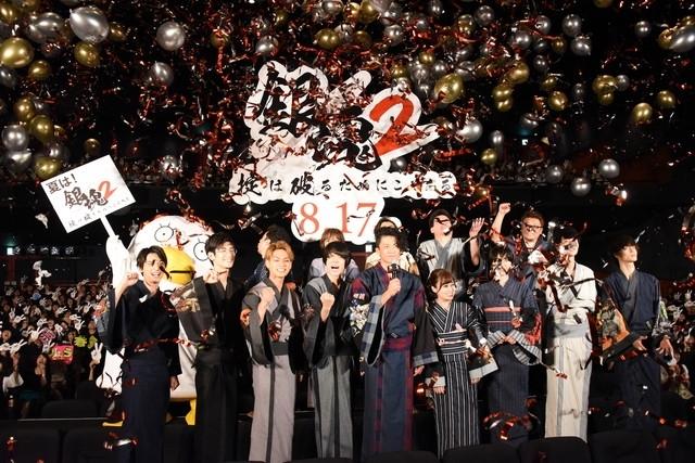 《銀魂2》日本首映 小栗旬領軍13卡司穿浴衣亮相