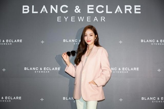 墨鏡控必收!Jessica鄭秀妍自創品牌BLANC & ECLARE,台灣也買得到啦!