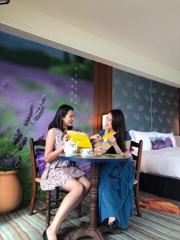 快約姊妹淘來住紫色薰衣草房,淡水福容聯手歐舒丹打造的主題房,真的美炸了