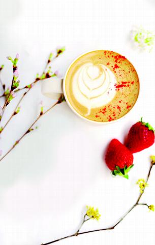 花香草莓拿鐵