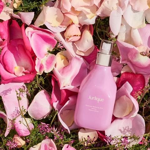 讓肌膚染上溫柔小女人般的粉嫩好氣色! Jurlique 玫瑰活膚露2019奢華限定版 療癒登場!
