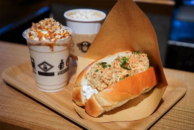 滿滿的花生醬太誘人!niko and… x 真芳推出聯名三明治、拿鐵,限定開賣只到五月!