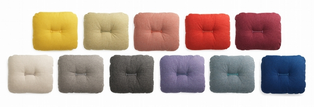 1. normann Copenhagen - Hi cushion 嗨 亞麻抱枕