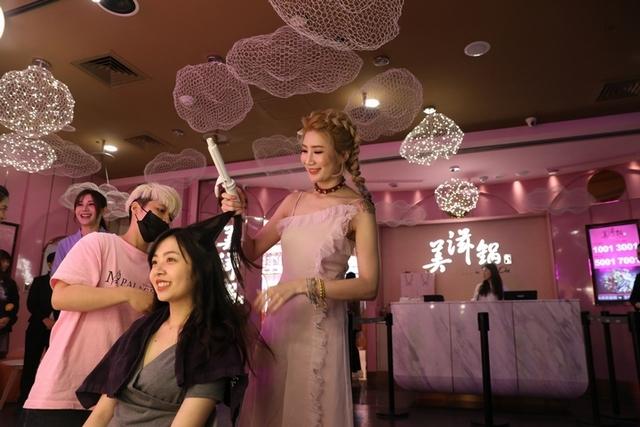 3. 明星御用髮型師幫你做造型!