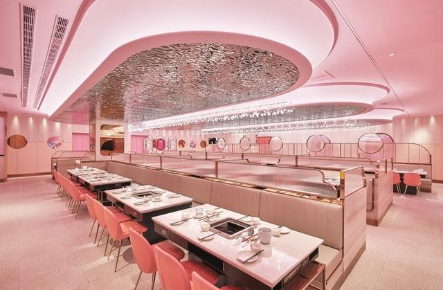 1. 全球首間、專為女性打造的粉紅系火鍋店