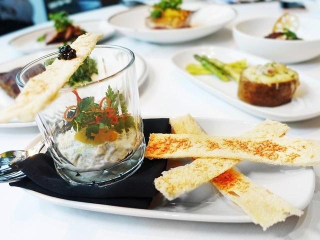 前菜-煙燻海鱺日耶特 佐魚子醬