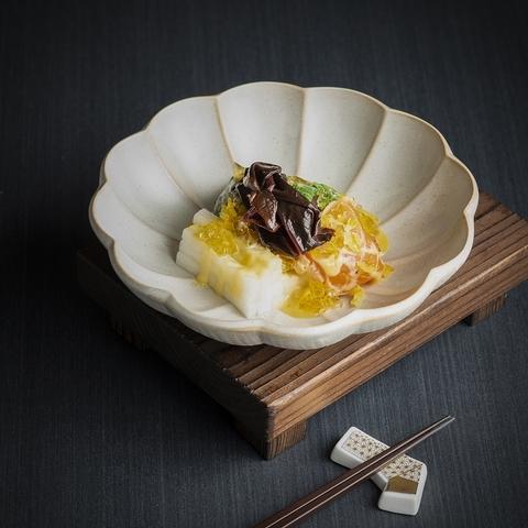 炙燒鮭魚沙拉柚子味噌檸檬高湯凍 NT. 480
