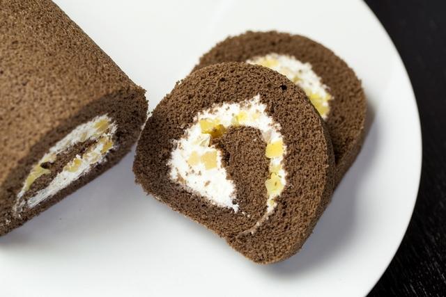 台北國賓〈焙茶栗子蛋糕捲〉