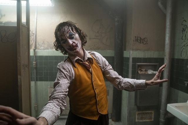 瓦昆菲尼克斯《小丑》秀舞技! 即興演出成就震撼人心「轉淚點」