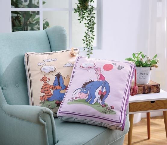 2. 維尼書本造型抱枕(黃、紫)