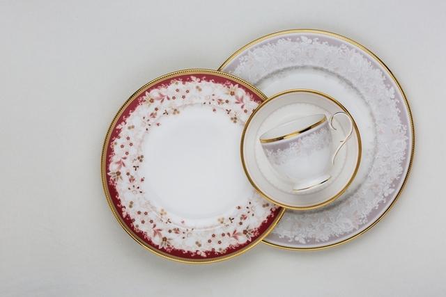 2. Noritake 絢麗風采餐瓷系列(骨瓷)