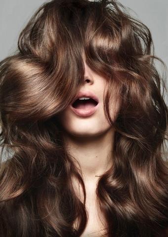 達人小教室這些洗髮技巧筆記起來,不只髮絲強健,就連頭皮都更健康呢