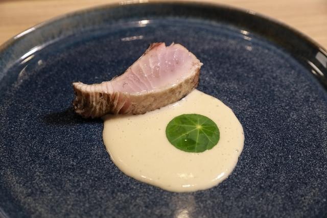 4. 稻草燒鰆魚配牛蒡奶汁