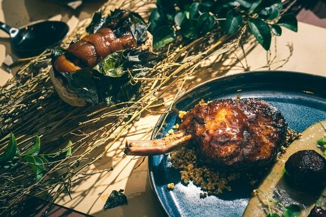 屏東泰武鄉「伊比利豬-小米酒醬-陶烤蝸牛豬肉捲」