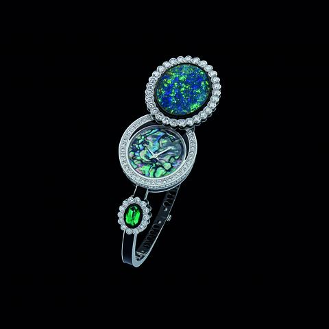 Dior et Moi 蛋白石的遊彩小宇宙