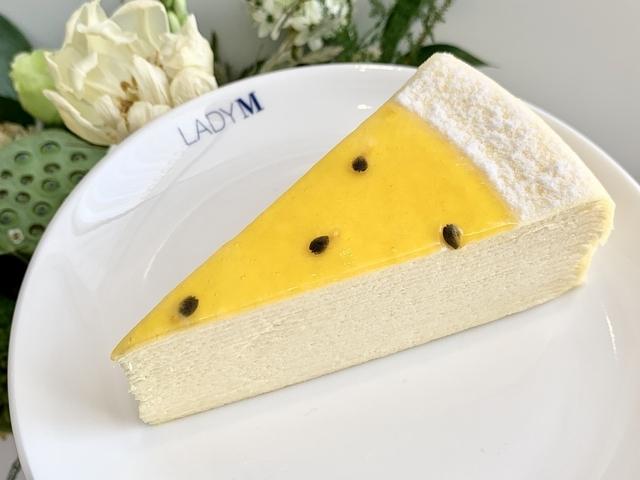 百香果千層蛋糕(切片 280 元/9吋 2,800 元)