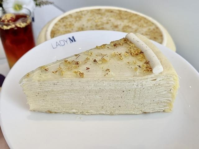 桂花千層蛋糕(切片 280 元 / 九吋 2,800 元)