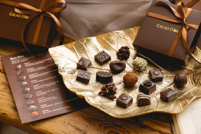 宜蘭在地 BON BON手工巧克力 550元 / 盒(12入)、450元 / 盒(9入)、350 / 盒(6入)