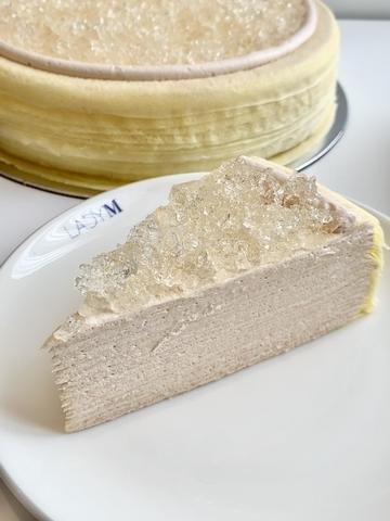 12月1日開賣!香檳千層蛋糕(九吋 3,800 元/切片 380 元)