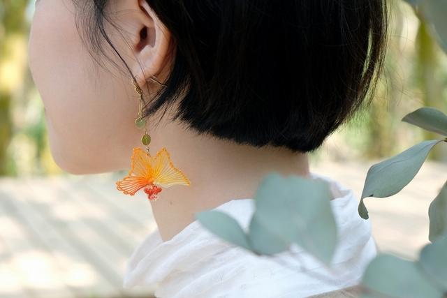 風花 fuuka 金魚花縷空刺繡耳環  990元