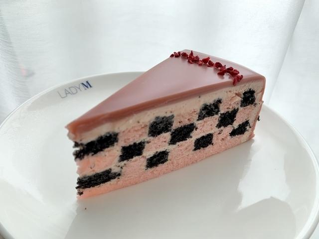草莓巧克力棋格蛋糕(9 吋 2,800 元 / 切片 280 元)