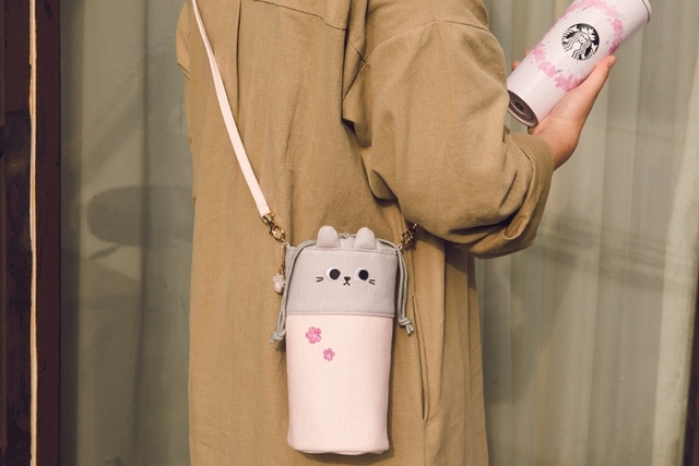 必買推薦8:粉櫻小貓隨行杯袋