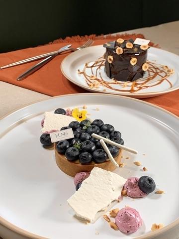 藍莓塔、巧克力控天堂 均200元