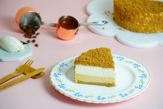 MJ Patisserie 微甜室 焦糖瑪起司蛋糕 880元(6吋)、1,180元( 8吋)