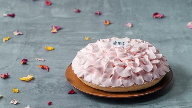 食芋堂 母親節限定花漾蛋糕  520元(8吋)