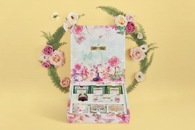 3. TWININGS唐寧茶 X Miss V Bakery「玫綻春舞禮盒」1,150元