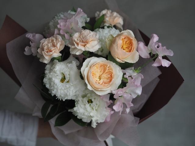 4. wheresflower 氣質典雅鮮花花束 1,300元